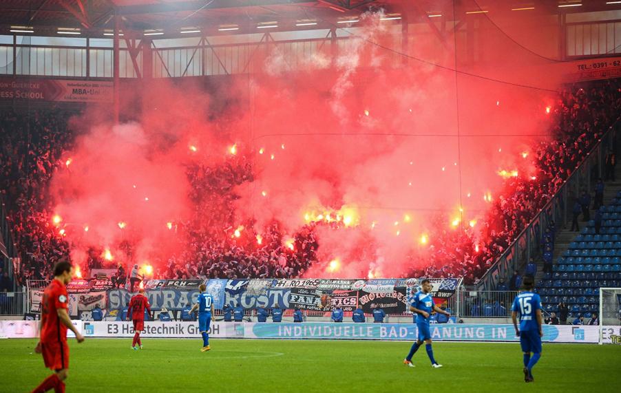 Geisterspiel! F.C. Hansa gegen Regensburg ohne Zuschauer ...