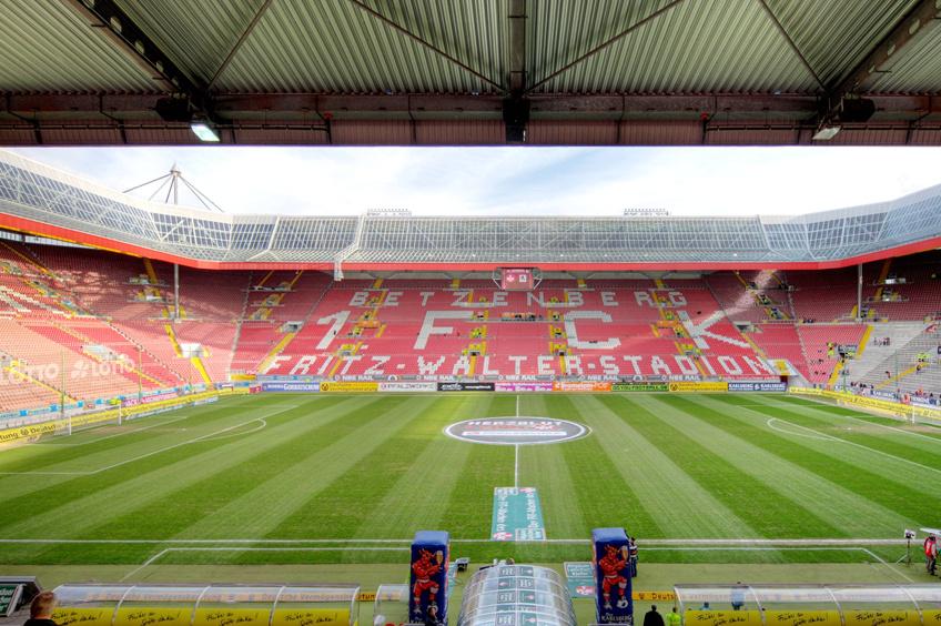 Kaiserslautern Betzenberg Gegen Bayern Munchen Fast Ausverkauft